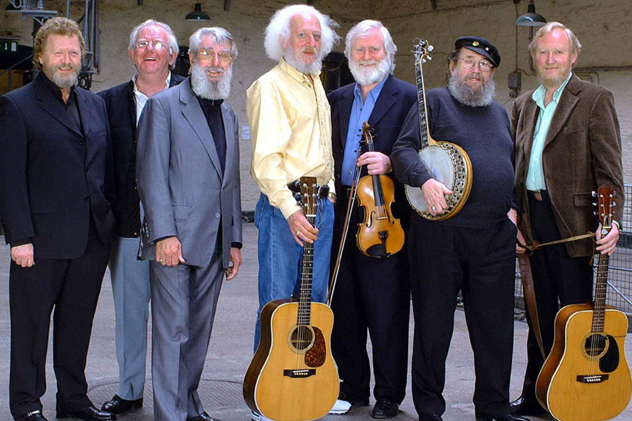 The Dubliners 1984 onwards. Jim McCann, Paddy reilly, Ronnie Drew,  Eamonn Campbell, John Sheahan,  Barney McKenna and Sean Cannon